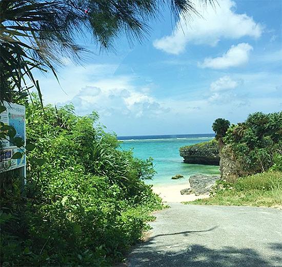 沖縄北部の海 今帰仁の海 Villaあお